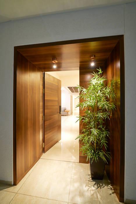 ENTRANCE Modern style doors by Suchit Interiors & Associate Modern
