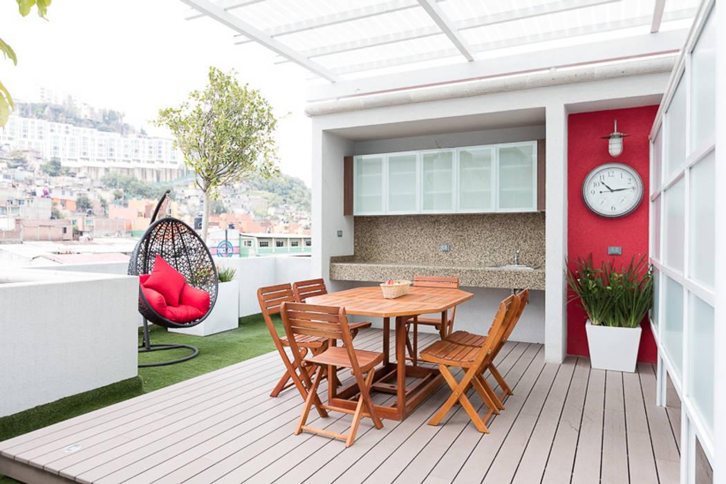 Parque Residencial Los Azulejos: Terrazas de estilo  por Bienes Raices Gaia,