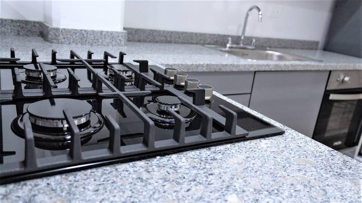 CUBIERTA EMPOTRADA Cocinas de estilo minimalista de Design company Minimalista