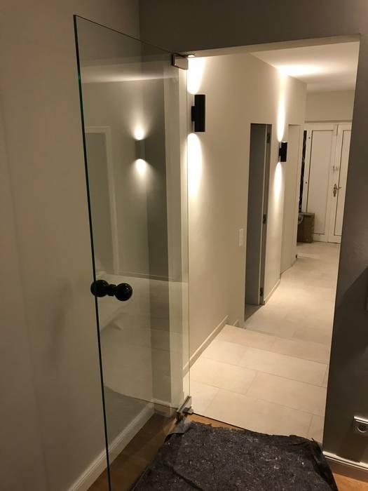 Entrée moderner flur, diele & treppenhaus von m-moebeldesign ...