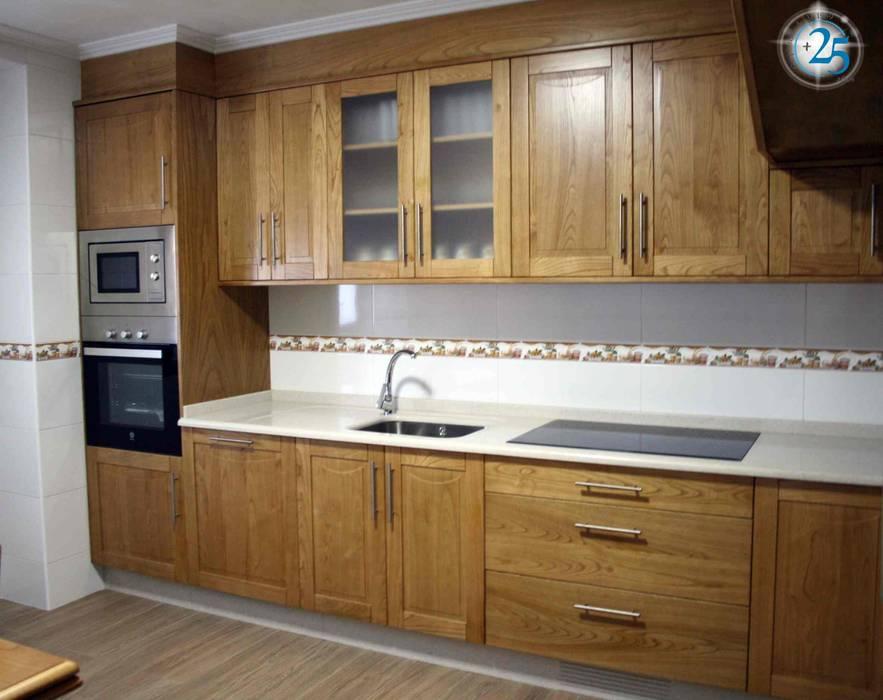 Cocina en madera de castaño de Almacén de Carpintería Gómez Clásico