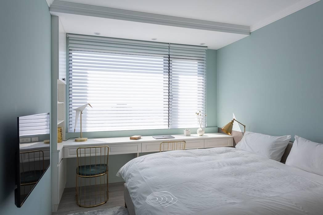 復古歐風X美式鄉村:  臥室 by 層層室內裝修設計有限公司, 鄉村風