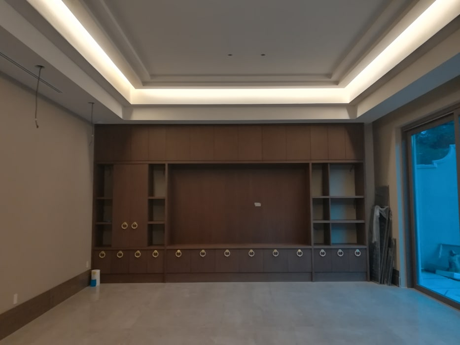 RMC Arquitectura Colonial style media rooms
