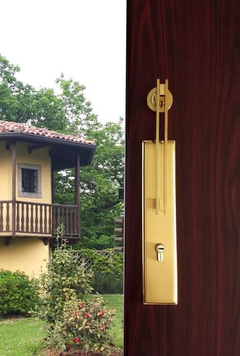 Modelo Star: Puertas y ventanas de estilo  por Industrial de Cerraduras