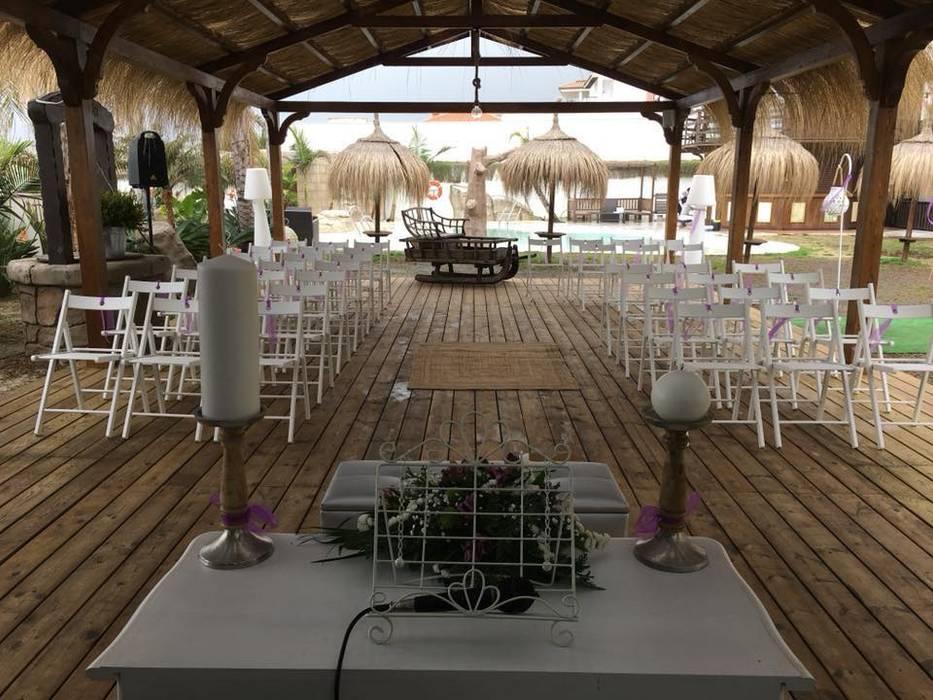Pérgola Puro Estrecho: Jardín de estilo  de ESTRUCTURAS DE MADERAS RIGÓN, S.L.U.