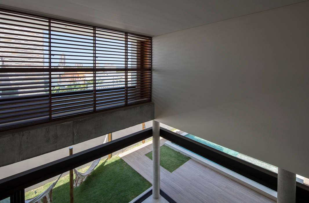 Casa IF por Martins Lucena Arquitetos Minimalista