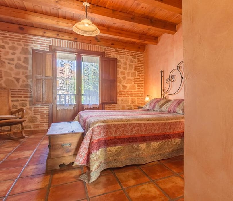 Rustic style bedroom by Lares Home Staging - Photography Rustic