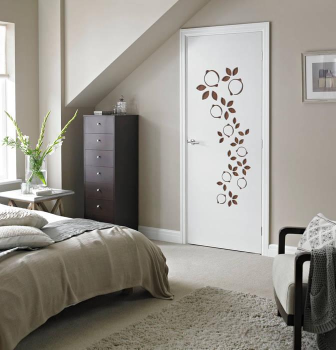 GEMMA DOOR: Porte in stile  di Studio Maiden