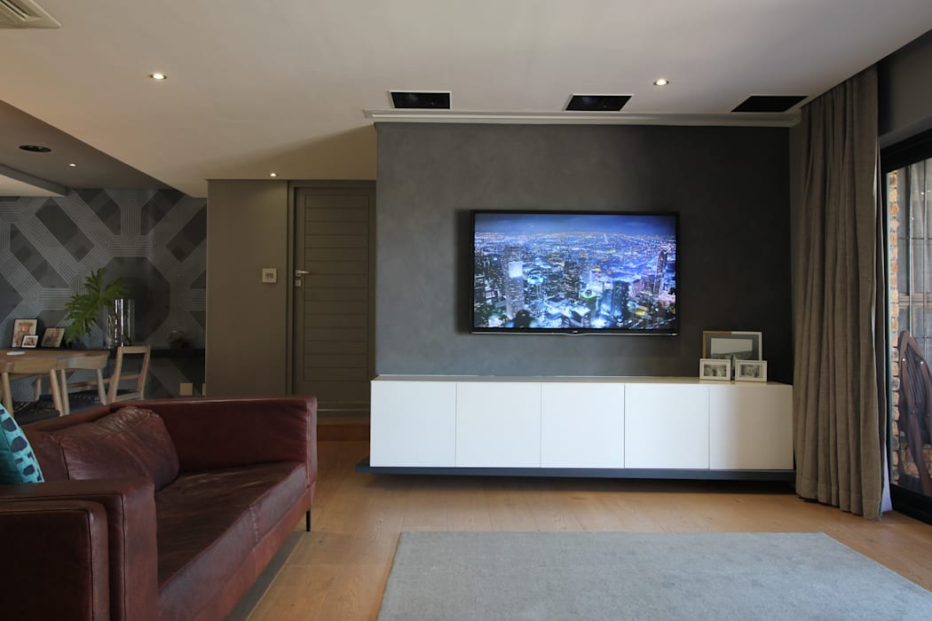 Lounge (Grills Off):  Living room by Audio Visual Projects (PTY) Ltd,