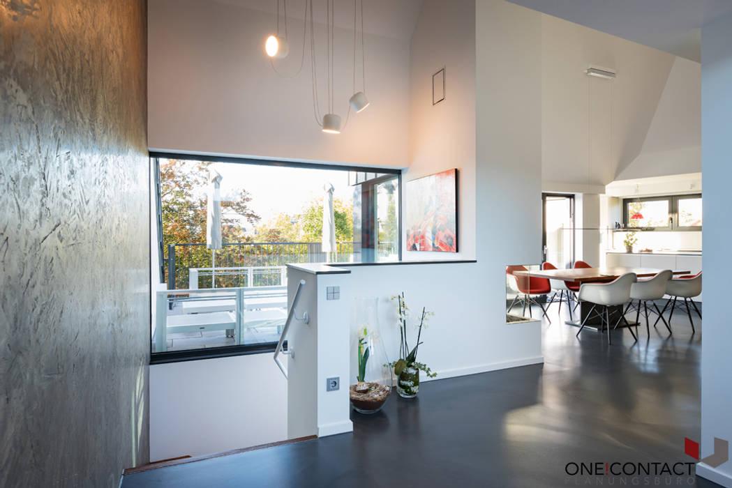 ÜBER DEN DÄCHERN:  Boden von ONE!CONTACT - Planungsbüro GmbH