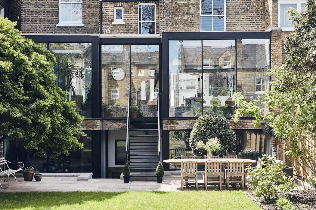 Gauden Road by IQ Glass UK Modern Aluminium/Zinc