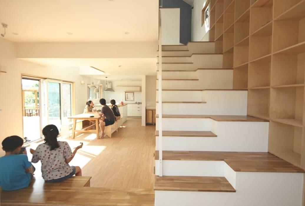넓은 계단 by 위드하임 컨트리