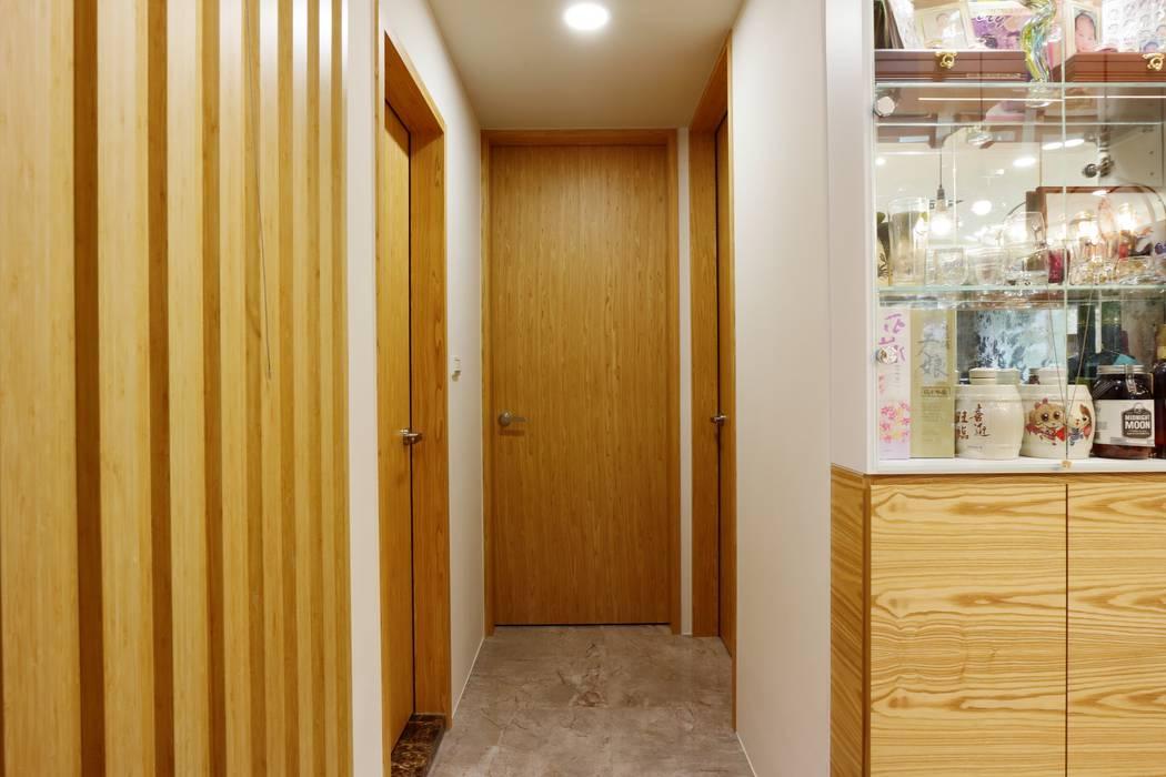 一家四口的舒適空間,揉合大氣與優雅的幸福居家。 根據 青築制作 隨意取材風