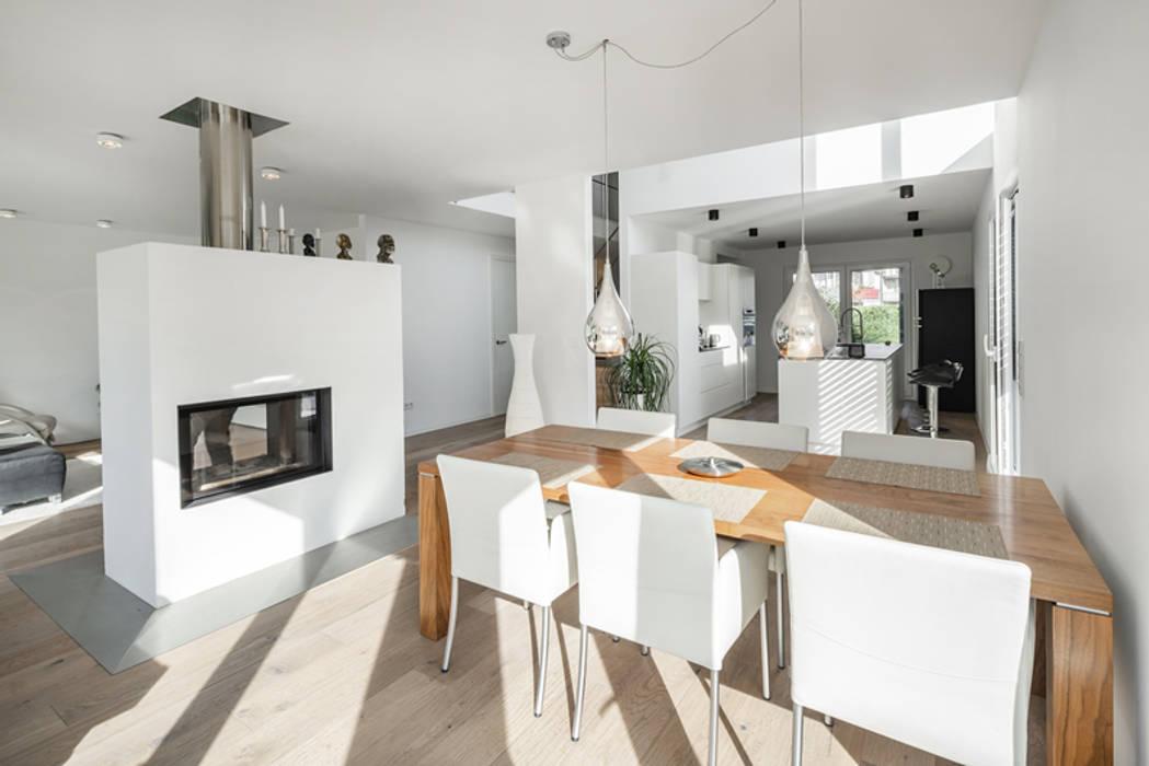 Individuell geplantes Traumhaus mit vielen Highlights innen wie außen :  Esszimmer von wir leben haus - Bauunternehmen in Bayern