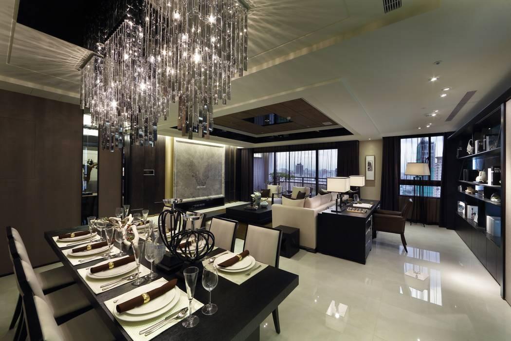 Salle à manger moderne par 雅群空間設計 Moderne
