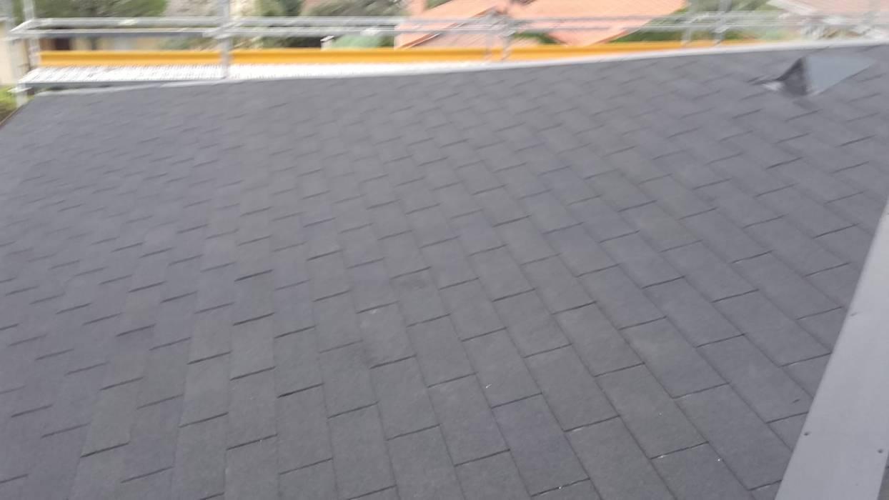 Reconstrucción de tejado en Valdemorillo: Tejados a dos aguas de estilo  de Recasa  S.L.