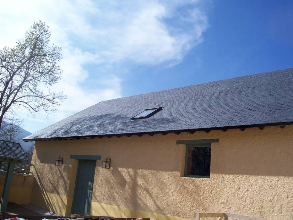 Reparación de tejado de pizarra en Segovia de Recasa, reformas y rehabilitaciones en Marbella Rústico