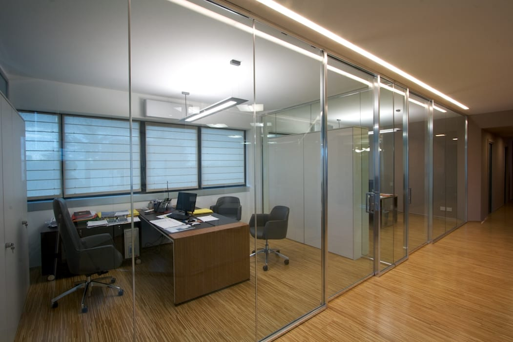 uffici direzionali Complesso d'uffici moderni di Daniele Arcomano Moderno