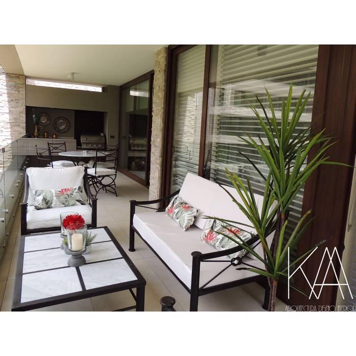 Terraza Balcones y terrazas clásicos de Kaa Interior | Arquitectura de Interior | Santiago Clásico Mármol