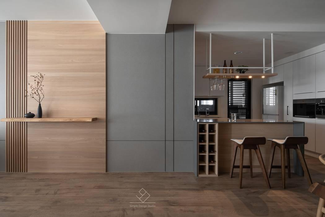 中島:  餐廳 by 極簡室內設計 Simple Design Studio,