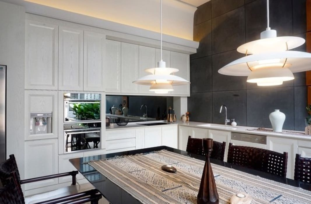 Kabinet Dapur:  Unit dapur by ARF interior