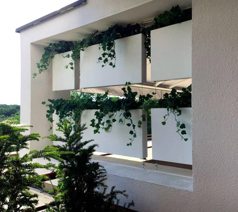 Módulos De Madera En Blanco Balcones Y Terrazas De Estilo