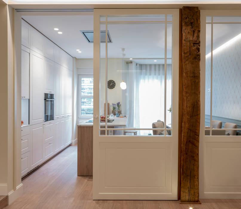 Reforma integral de vivienda en Bilbao centro de Sube Susaeta Interiorismo Clásico Vidrio