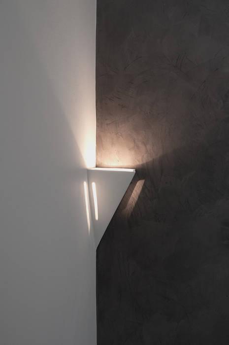 Appartamento in collaborazione con il Designer Matteo Storchio Studio di Architettura IATTONI Camera da letto moderna