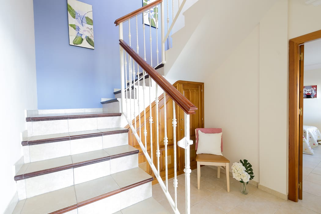 Stairs by Home & Haus | Home Staging & Fotografía, Mediterranean