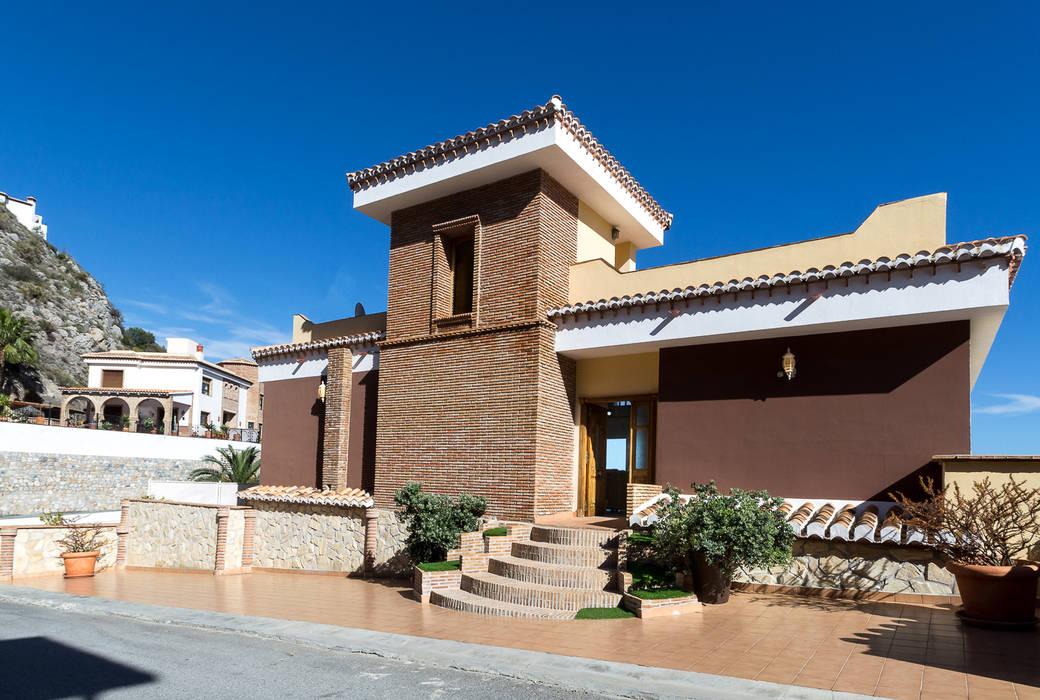 Rumah Gaya Mediteran Oleh Home & Haus | Home Staging & Fotografía Mediteran