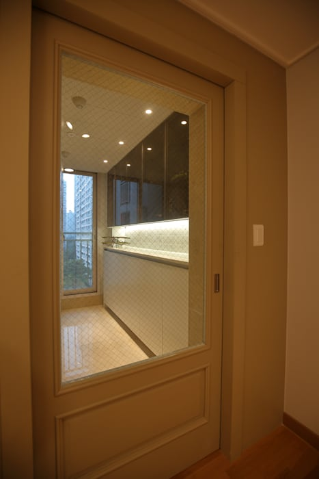 Minimalist corridor, hallway & stairs by inark [인아크 건축 설계 디자인] Minimalist