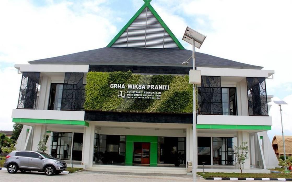 Tukang Taman Vertikal Jakarta Bangunan Kantor Modern Oleh Tukang Taman Surabaya - flamboyanasri Modern