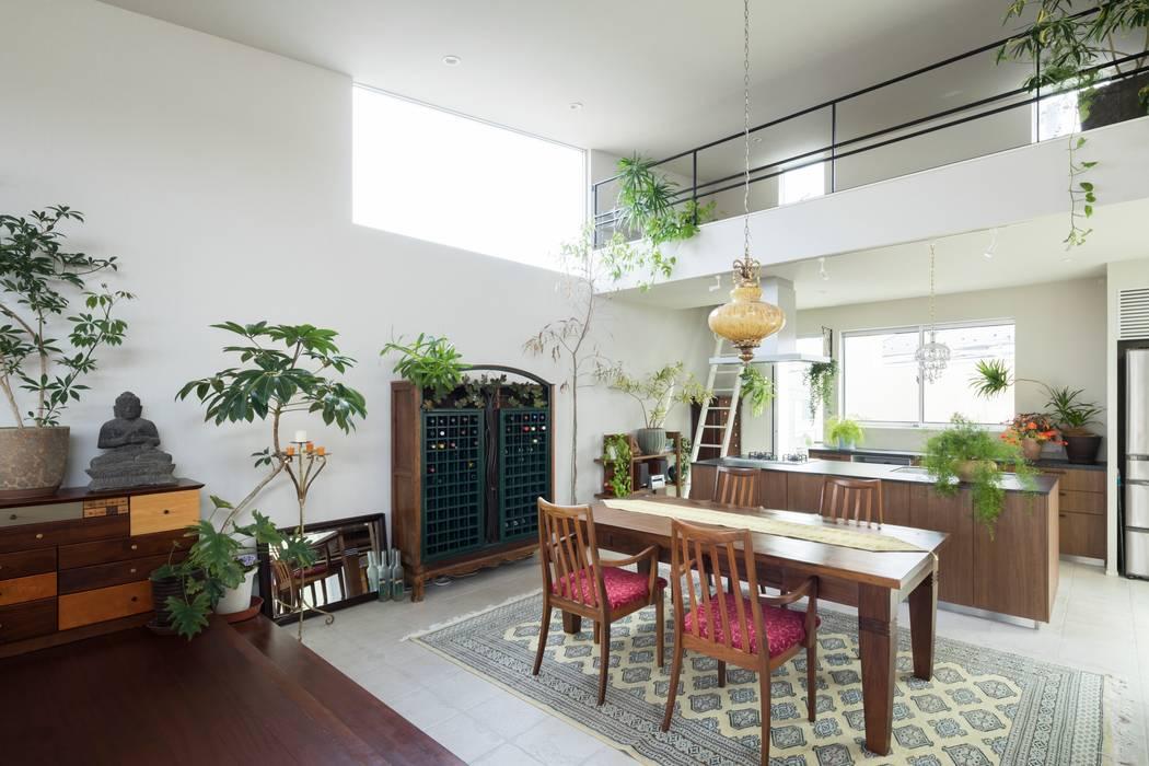 Phòng ăn phong cách hiện đại bởi 株式会社横山浩介建築設計事務所 Hiện đại