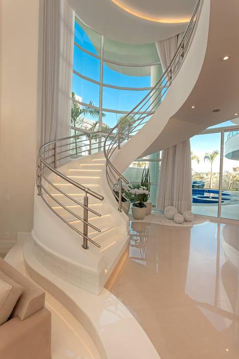 Casa Mont Blanc por Arquiteto Aquiles Nícolas Kílaris Moderno