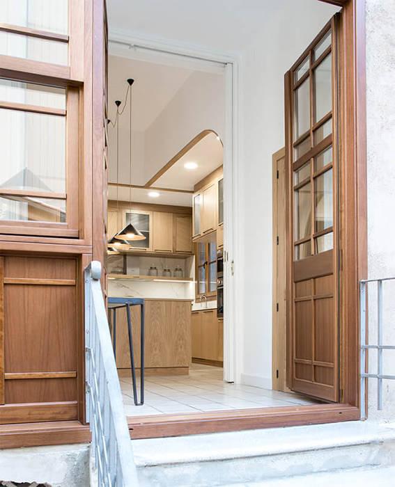 Wooden doors by AlbertBrito Arquitectura