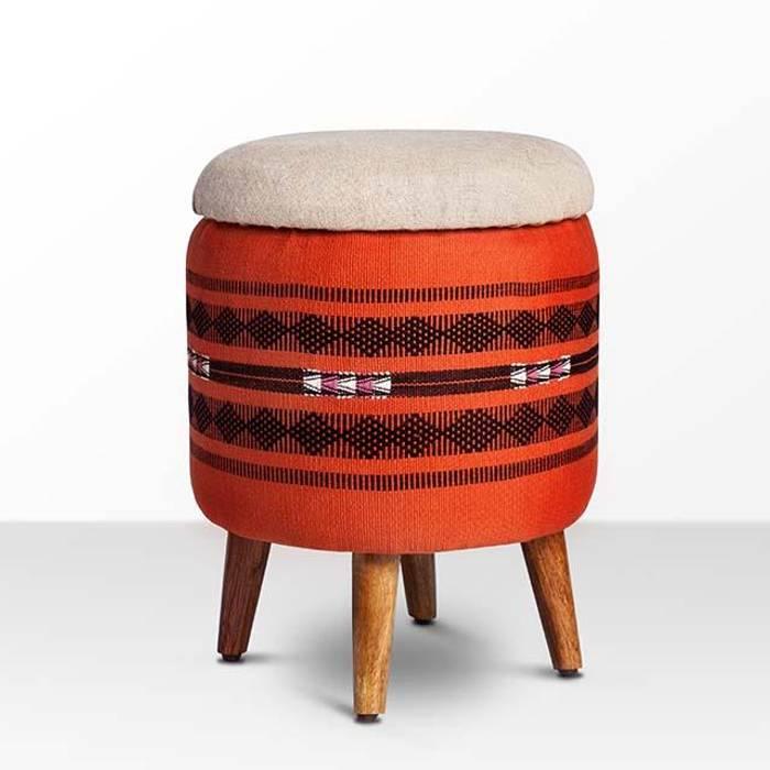 Naga Shawl Circular Storage Ottoman:  Living room by Sihasn