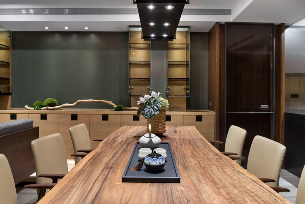 Dining room by 宸域空間設計有限公司, Asian
