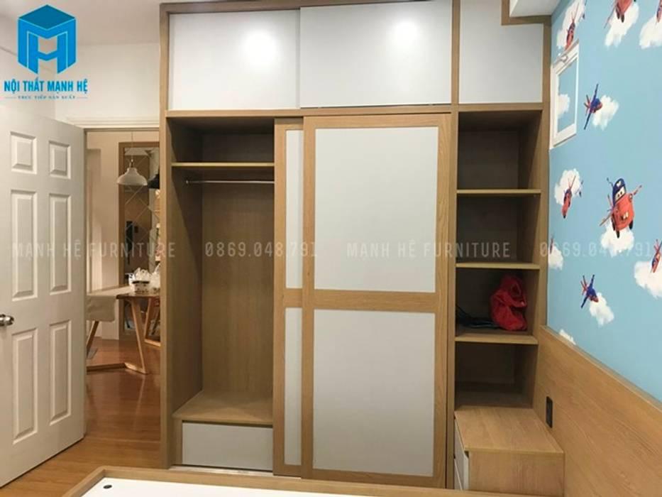 Tủ đồ cửa lùa phòng ngủ (hình ảnh thực tế):  Phòng ngủ by Công ty TNHH Nội Thất Mạnh Hệ