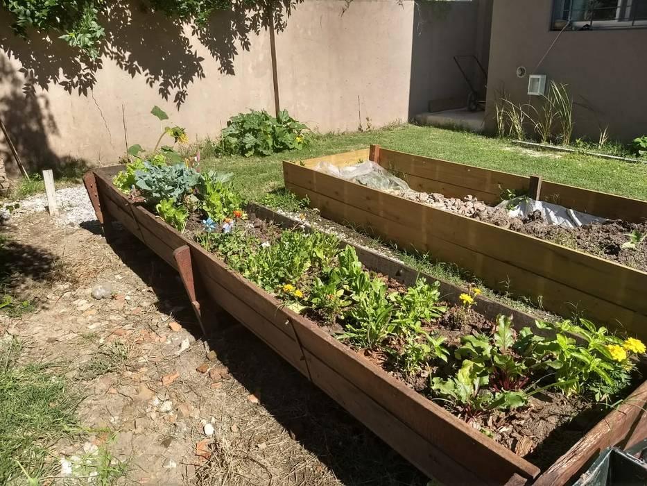 สวนหน้าบ้าน โดย ECOS DE SOL (Ingeniería y Construcción), โมเดิร์น