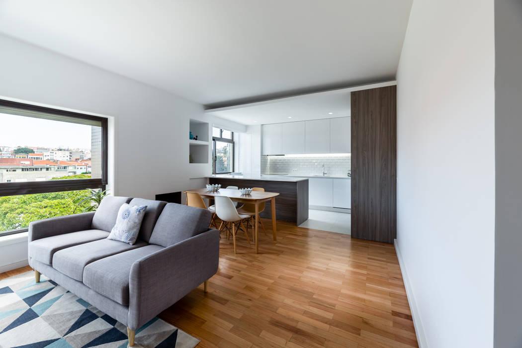 Moderne Wohnzimmer von MOBEC Modern