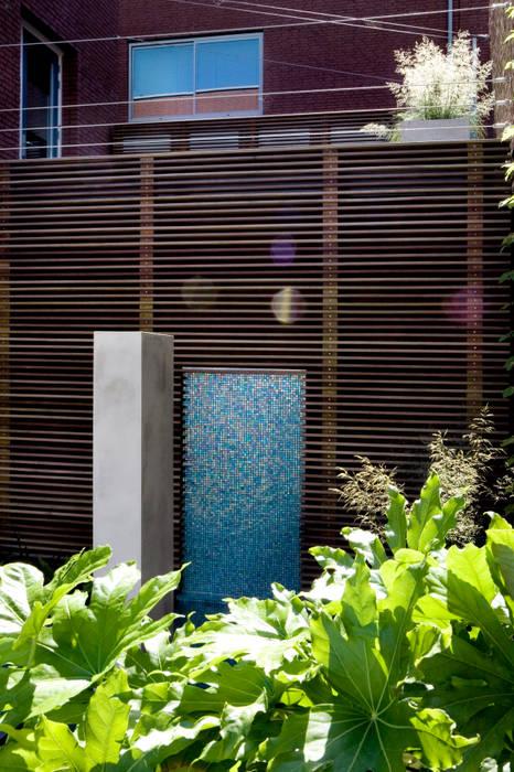 Patio garden:  Garden by Andredw van Egmond  |  designing garden and landscape,Modern