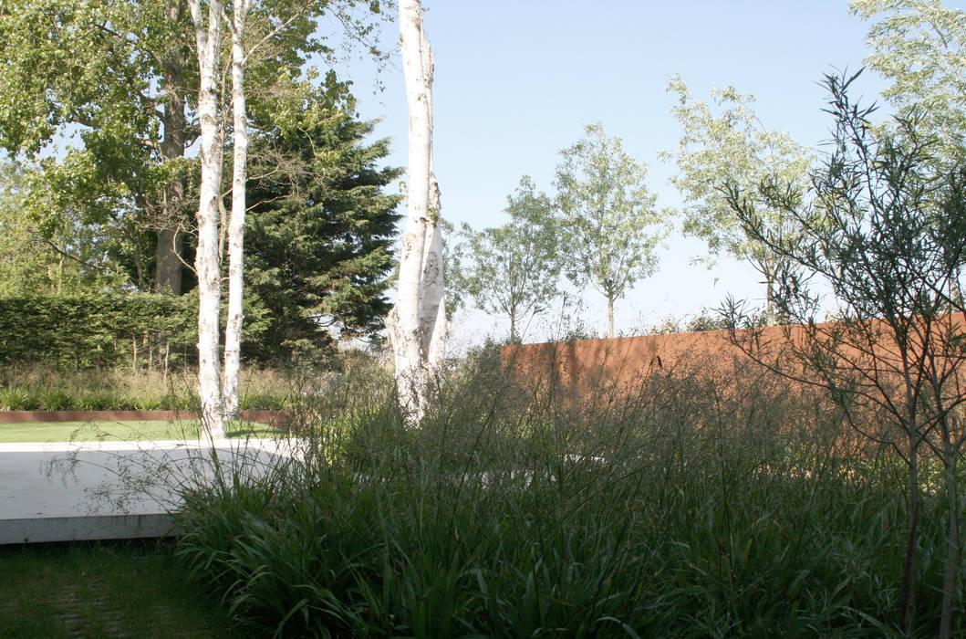 Andredw van Egmond | designing garden and landscape Minimalist garage/shed