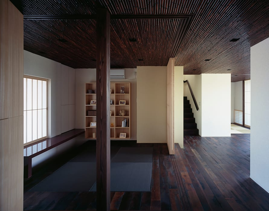 Study/office by 松岡淳建築設計事務所,
