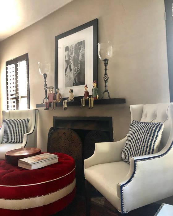 Residential Sandton:  Living room by CS DESIGN