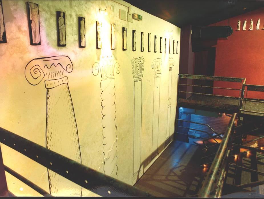 Bares y clubs de estilo industrial de Atelier Ana Leonor Rocha Industrial