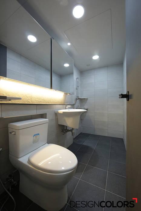 DESIGNCOLORS Modern bathroom Grey