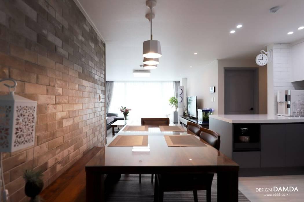 구미동 무지개 청구아파트: 디자인담다의  다이닝 룸