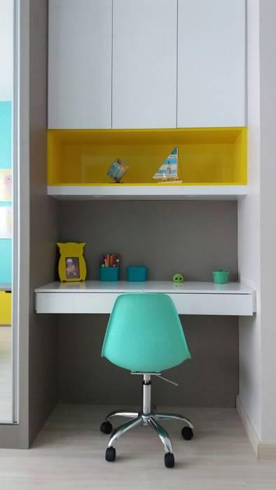 Rita Corrassa - design de interiores Çocuk OdasıÇalışma Masaları & Sandalyeler