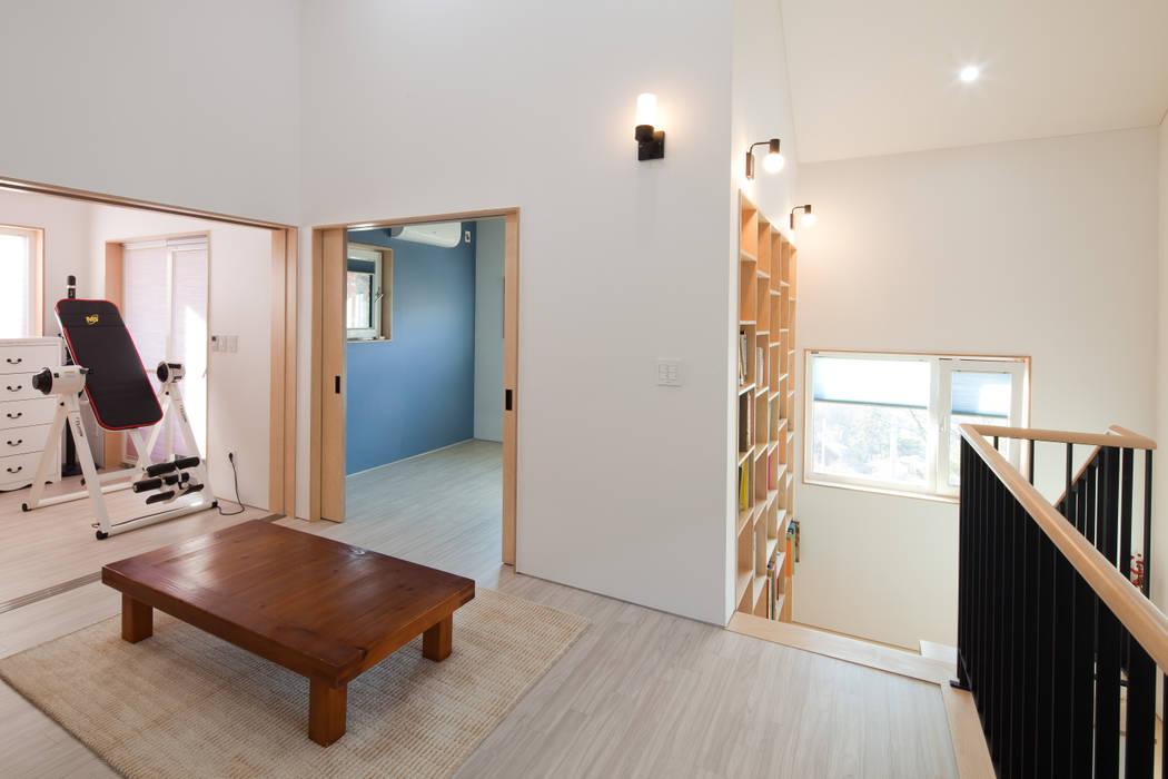 2층 가족실: 위드하임의  거실