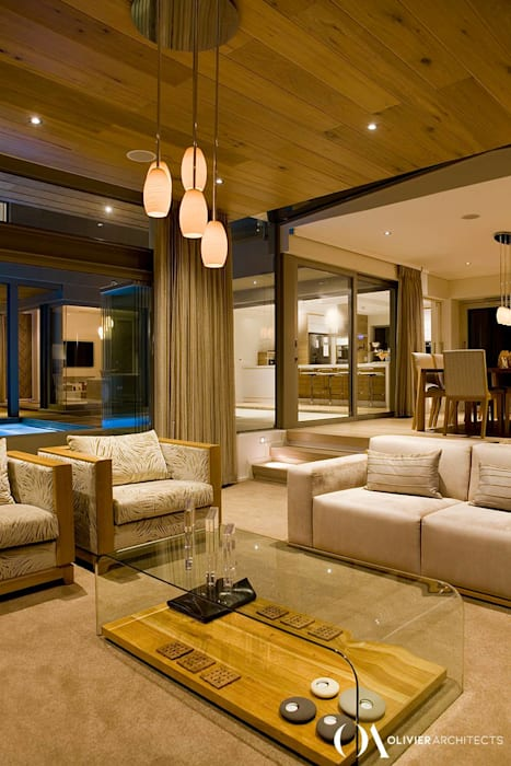 L \ HOUSE \\ Plettenberg Bay \\ Olivier Architects:  Living room by Olivier Architects